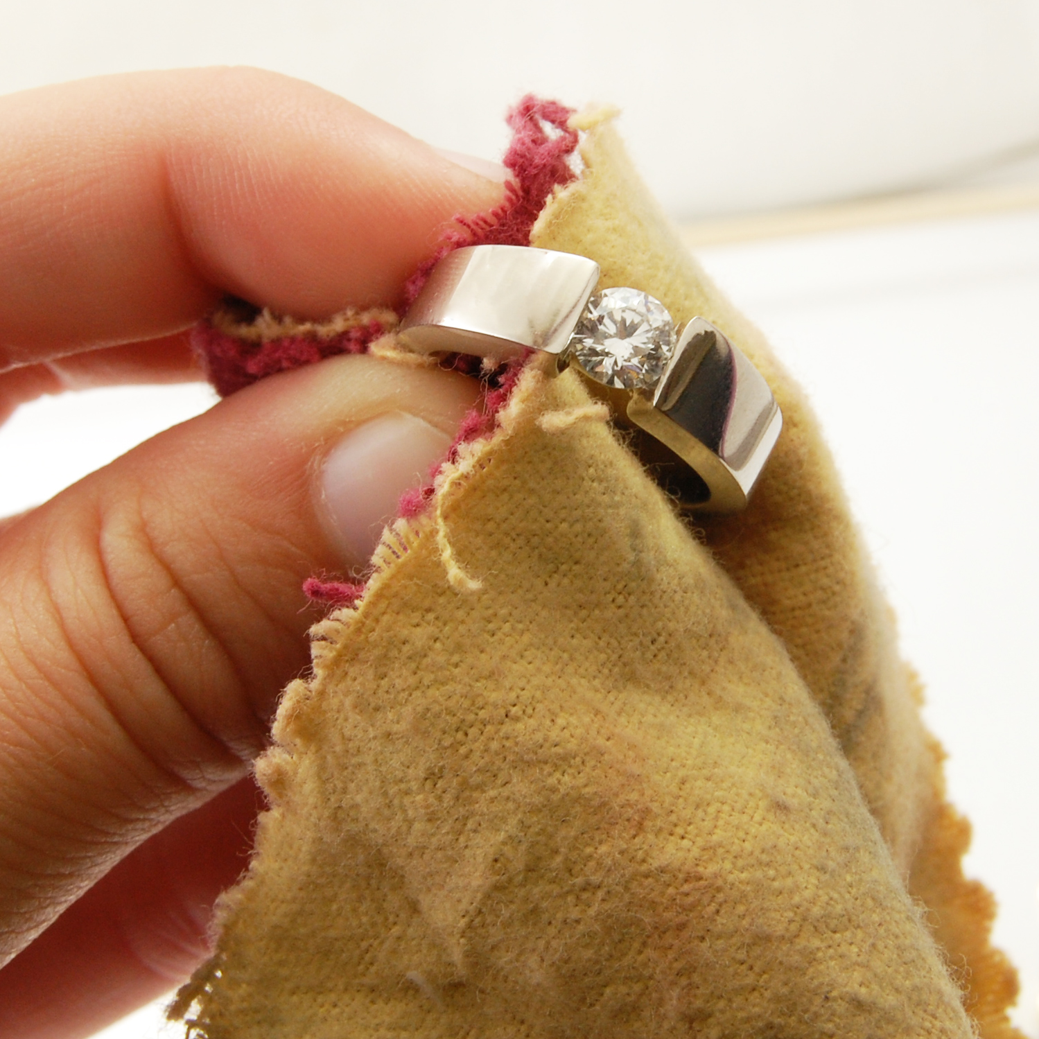Cleaning Glued-In Gemstones Jewelry